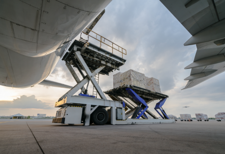 loading container plane shipping